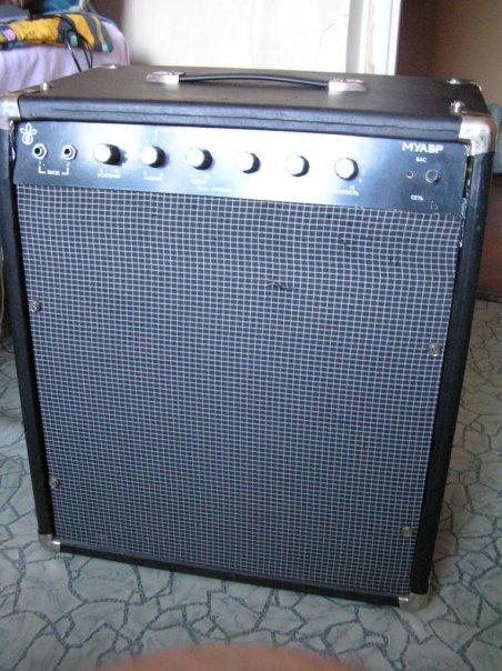 Комбо-усилитель для бас-гитары